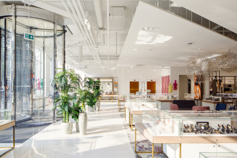 Hudson's Bay Brings a New Shopping Experience to the Netherlands (Photo: Business Wire)