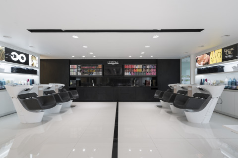 Soraa lamps have been installed at the L'Oréal Academy in Jakarta, Indonesia where they train beauty professionals to be trend-setters in the industry. (Photo credit: Sefval Mogalana)