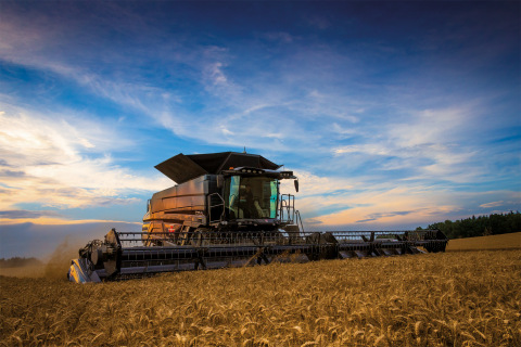 The New IDEAL from Massey Ferguson (Photo: Business Wire)