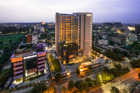Conveniently located in the corporate hub of Vibhuti Khand, Hyatt Regency Lucknow is designed to connect business and leisure travelers to all Lucknow has to offer. (Photo: Business Wire)