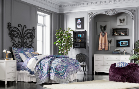 "Bedroom in the ""Anna Sui for PBteen"" Collection available exclusively at www.pbteen.com and at PBteen stores nationwide (Photo: Business Wire)"