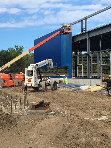 Iconic blue exterior transforms future IKEA Oak Creek as work progresses on WI store opening Summer 2018. (Photo: Business Wire)