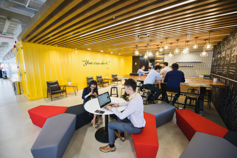 The Accenture Digital Hub Café and social space (Photo: Business Wire)