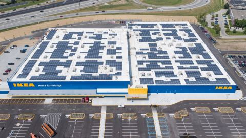 Solar array atop the future Indianapolis-area IKEA Fishers (Photo: Business Wire)