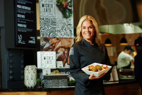 Cat Cora and Aramark have expanded their partnership, with the debut of a new dining concept, Wicked Eats by Cat Cora, to transform the on-site dining experience for guests across North America. (Photo: Business Wire)