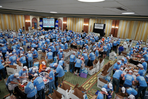 Food Lion Sets GUINNESS WORLD RECORDS™ Title for Most Bagged Lunches Assembled in One Hour. Grocer Raises Awareness for Hunger Action Month During Event; Lunches Donated to Local Food Banks (Photo: Business Wire)