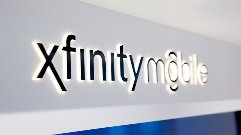 Xfinity stores nationwide to open at 8:00 A.M. on September 22 to enable consumers to purchase the new iPhone 8 and iPhone 8 Plus. (Photo: Business Wire)