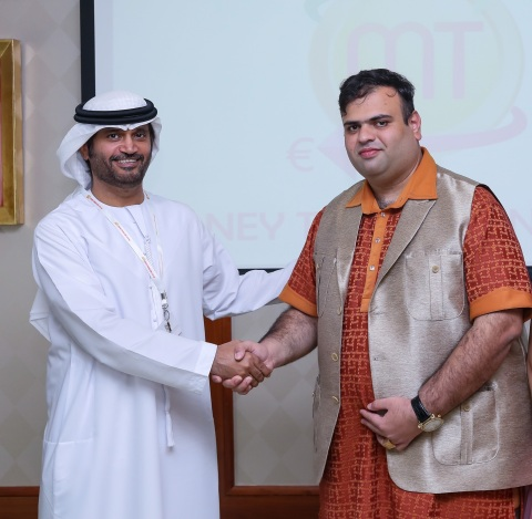 Amit Lakhanpal greets H.E. Sheikh Saqer Al Nahyan (Photo: AETOS Wire)