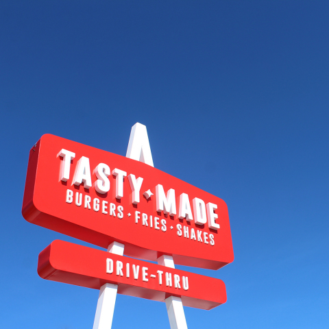 Chef Richard Blais joins forces with Chipotle to lead Tasty Made burger restaurant. (Photo: Business Wire)