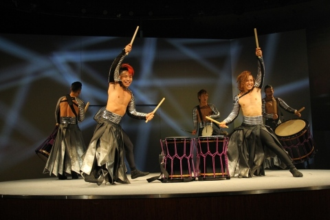Drum TAO played Japanese drums at a welcome reception party for Tourism EXPO Japan 2017 (Photo: Business Wire)