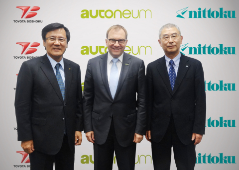 From the left: Toyota Boshoku President Ishii, Autoneum CEO Hirzel, Nihon Tokushu Toryo President Sakai (Photo: Business Wire)