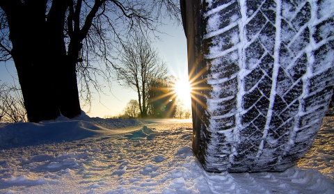 Yourtyres.co.uk helps tyre dealers and car companies to exploit the full potential of the upcoming winter business (Photo: Business Wire)