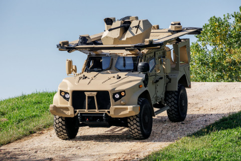 JLTV General Purpose equipped with Rafael Samson RWS Dual Stabilized Remote Weapon Systems (RWS) with M230 LF, and the Trophy Light Active Protection System (APS) (Photo: Business Wire)
