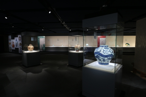 ソラーの照明が出光美術館の歴史的で重要なアートコレクションを完璧な光で演出するために選ばれる。(写真:ビジネスワイヤ)