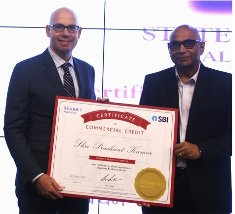 Mr. Prashant Kumar, Deputy Managing Director, State Bank of India (SBI), and Mr. Ari Lehavi, Executive Director, Moody's Analytics, launch a collaboration between SBI and Moody's Analytics to provide bank-wide credit certification to SBI's employees. (Photo: Business Wire)