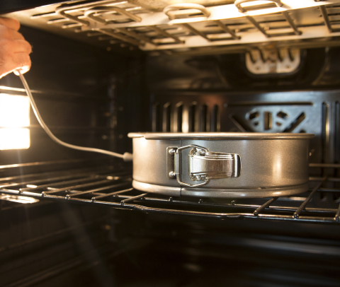 FirstBuild™ previews Precision Bakeware that helps pastry chefs and novices bake to the right temperature. (Photo: FirstBuild)