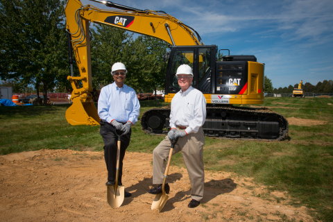 Vijay Swarup, vice president of research and development, ExxonMobil Research and Engineering Company, with Clinton Township Mayor John Higgins during the expansion groundbreaking. (Photo: Business Wire)