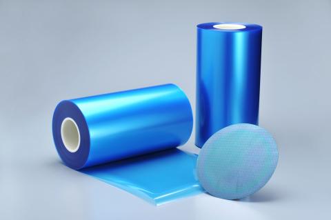 粘着性、剥離性、凹凸吸収性に優れる半導体製造工程用テープ「イクロステープ(TM)」(写真:ビジネスワイヤ)