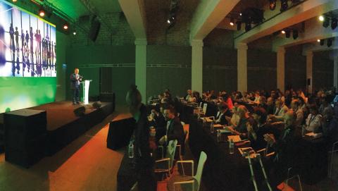 25カ国を代表する参加者が、2017年インコグニトアプライアンスシステム国際ユーザー会議の交流イベントに参加し、科学的情報に接した。(写真:3M)