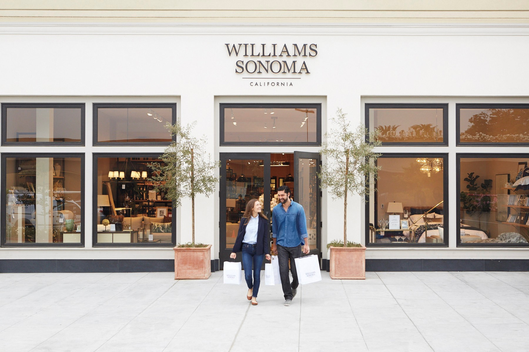 Williams Sonoma Launches In Store Pick Up Services For Online