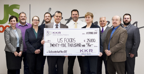 US Foods CEO Pietro Satriano with the Serve Good Team (Photo: Business Wire)