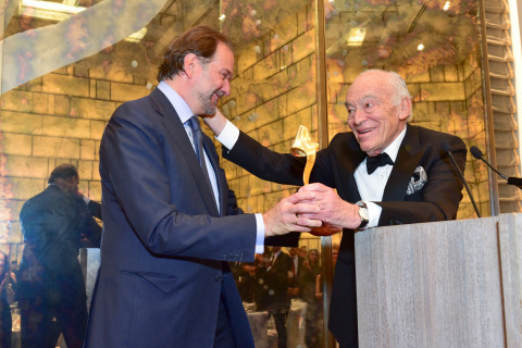 Leonard A. Lauder (right) presents Nicolas Mirzayantz with the Fragrance Foundation's Circle of Champions Award. (Photo: Business Wire)