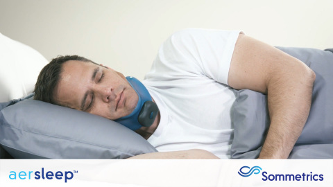 Sommetrics' aerSleep™ is the first device to use negative external air pressure to successfully treat obstructive sleep apnea (OSA). aerSleep's soft collar and integrated silent vacuum pump allows sleep in virtually all positions, has no hoses or mask, and is non-invasive, comfortable, highly portable, cordless, and easy to use and maintain. aerSleep is manufactured in the United States by Sommetrics and distributed in Canada by AvantSleep. aerSleep is intended for use in maintaining an open, upper airway in adults diagnosed with OSA. (Photo: Business Wire)
