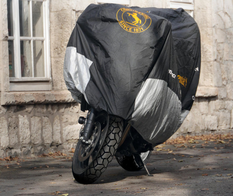 Prepare ya su moto para el año que viene con los cuidados adecuados y neumáticos nuevos (Photo: Busi ...