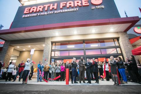 Earth Fare Roanoke Ribbon Cutting (Photo: Business Wire)