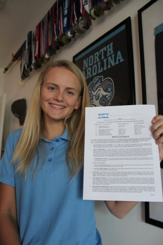 Lara King, a Senior at Florida Virtual School (FLVS) and a varsity coxswain at Sarasota Crew, today signed a National Letter of Intent (NLI) to continue her academic and rowing career at the University of North Carolina at Chapel Hill. (Photo: Business Wire)