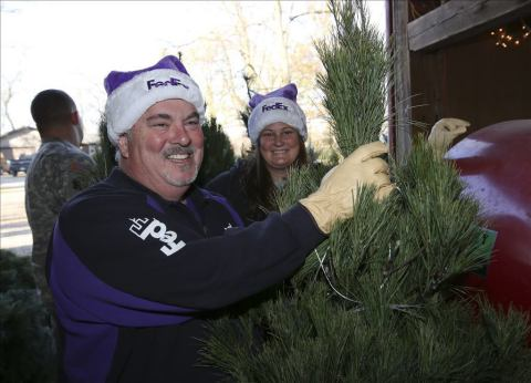 Support for Trees For Troops is part of the FedEx Cares Delivering for Good global giving initiative. Now in its 13th year, Trees for Troops will achieve a milestone this year by reaching more than 200,000 trees delivered to service members and their families. (Photo: Business Wire)