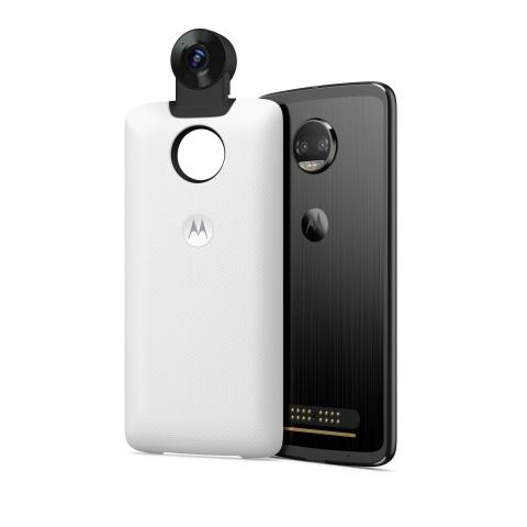 360 Camera Moto Mod + Moto Z2 Force Edition (Photo: Motorola)