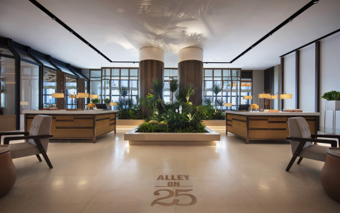 """Alley on 25 brings Singapore street dining to hotel guests by offering seven alleyway """"shop houses"""" on one floor. (Photo: Business Wire)"""