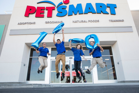 Associates at PetSmart's 1,600th store jump for joy with balloons in celebration of the store's opening this week in El Paso, Texas, at 3790 Joe Battle Blvd. The 1,600th store features nearly 18,000 square feet of space and includes a Pinnacle Pet Nutrition Shop, which is a new feature in all new PetSmart stores. As with all PetSmart stores, pet parents will find a comprehensive line of pet supply products at the new El Paso store, as well as services such as pet training, adoption services and a full-service grooming salon where dogs and cats receive hands-on care from stylists dedicated to making pets look and feel their best. (Photo: Business Wire)