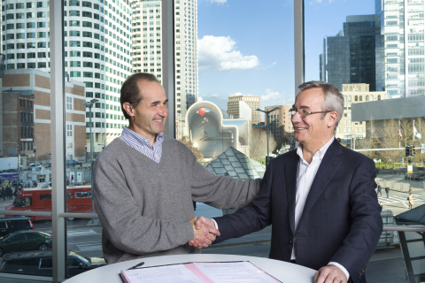 John Spirtos, President, Avitas Systems (left) and Philippe Donche-Gay, Senior Executive Vice President, international Operations & Support, at Bureau Veritas (right) sign their partnership (Photo: Business Wire)
