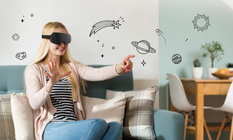 Kopin Wins CES Innovation Award for Industry's Smallest VR Headset (Photo: Business Wire)