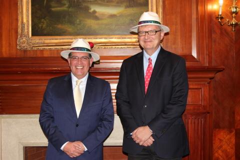 Minister Medardo Cadena of Ministerio de Electricidad y Energía Renovable del Ecuador (MEER), and Damir Novosel, President of IEEE Power & Energy Society (PES) in Ecuador for MOU Signing (Photo: Business Wire)
