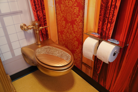"""Charmin Restrooms """"Throne Stall"""" (Photo: Business Wire)"""