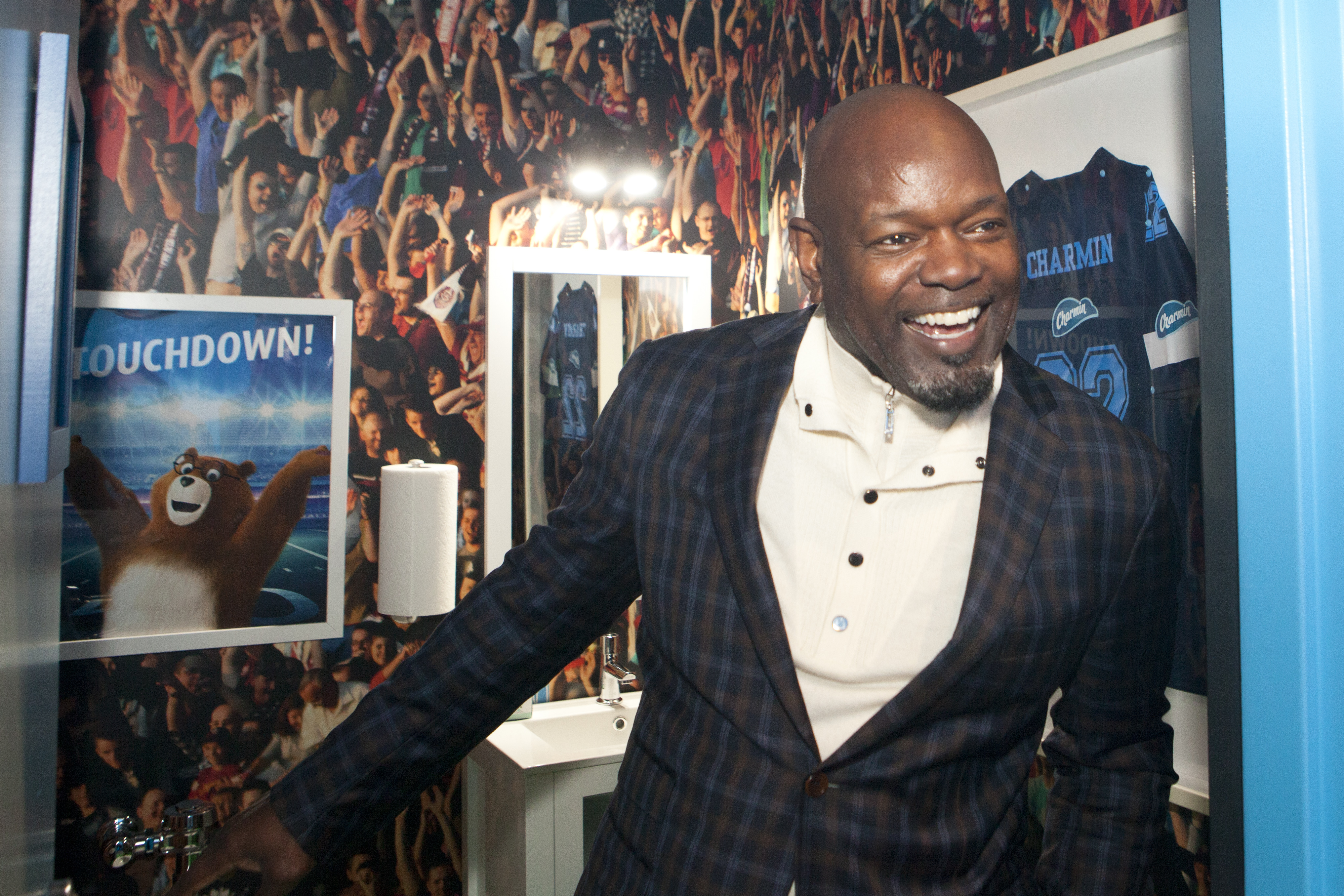 Photos of Pro Football Hall of Famer Emmit Smith at Charmin Toilet ...