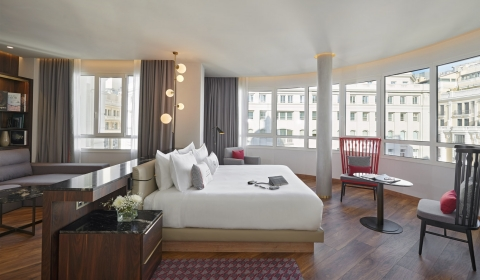 Hyatt Centric Gran Via Madrid Executive Suite (Photo: Business Wire)