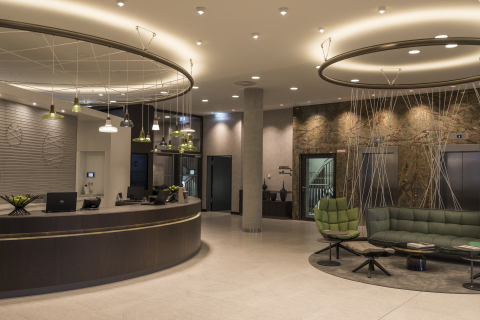 Hyatt Place Frankfurt Airport is part of the established Gateway Gardens business quarter, just a few minutes walk from Frankfurt Airport and a 10-minute rail journey from Frankfurt's bustling city center. (Photo: Business Wire)