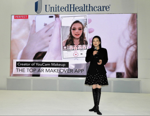 Perfect Corp. CEO, Alice Chang, captivates at CES 2018 BeautyTech Showcase. (Photo: Business Wire)