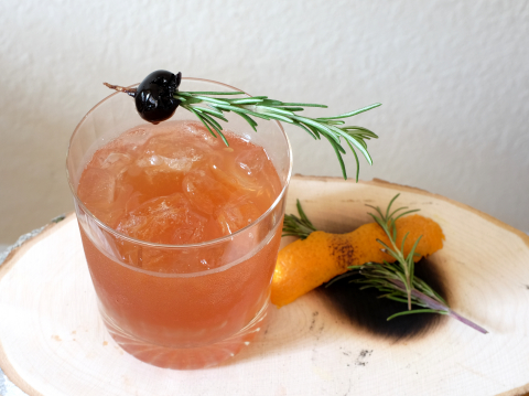 Smoked Orange and Rosemary Old Fashioned created by Southern Glazer's Mixologist, Debbie Peek. (Photo: Business Wire)