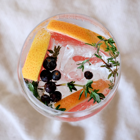 Grapefruit & Thyme G&T created by Southern Glazer's Mixologist, Debbie Peek. (Photo: Business Wire)