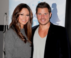 Nick and Vanessa Lachey help kick off Pampers Baby Dry #SleptLikeThis campaign. (Photo: Business Wire)