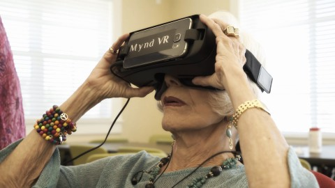 Senior Citizens in Assisted Living Homes experiencing MyndVR for the first time (Photo: Business Wire)