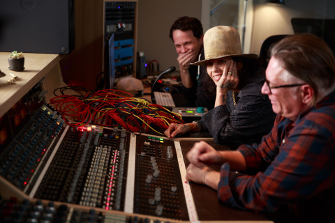 "Singer-songwriter and record producer Linda Perry and engineer contractors in production for Intuit QuickBooks' documentary film for ""Backing You"" Campaign. (Photo: Business Wire)"