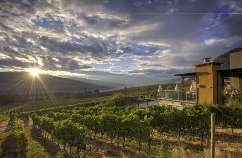 Spirit Ridge in Osoyoos, British Columbia at sunset (Photo: Business Wire)
