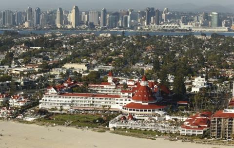 The Hotel del and Coronado Island (Photo: San Diego Union Tribune)