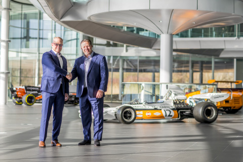 Chuck Myers, President and CEO at Airgain, and Zak Brown, Executive Director, McLaren Technology Group (Photo: Business Wire)